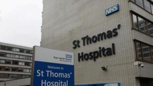 Bệnh viện St Thomas, nơi thủ tướng Anh Boris Johnson đang nằm trong phòng chăm sóc đặc biệt. Ảnh chụp ngày 06/04/2020.