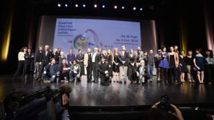 Los premiados y el jurado de Biarritz en la ceremonia de clausura.