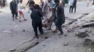 داعش مسئولیت حمله انتحاری در برابر ورزشگاه در کابل را برعهده گرفت