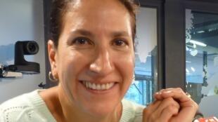 natalia Velit en los estudios de RFI