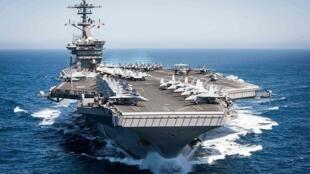 """圖為疑似美軍核動力航母""""西奧多·羅斯福""""號(CVN-71)航行圖"""
