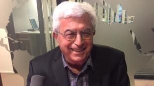 Elias Khoury en studio à RFI (février 2018).