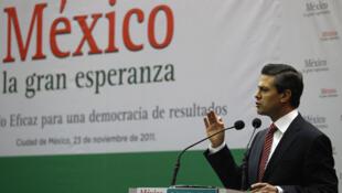 El ex gobernador Enrique Peña Nieto, candidato del PRI, a  quien las encuestas dan favorito para ganar la presidencia de México en 2012, presentó su libro 'México, la gran esperanza' en una conferencia el 23 de noviembre de 2011.
