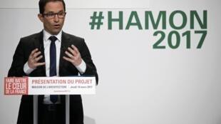 Benoit Hamon en mars 2017 à Paris lors de la campagne pour la présidentielle.