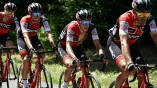 A equipa americana BMC que ganhou o contra-relógio de 19 de agosto no arranque da Vuelta a Espanha em bicicleta