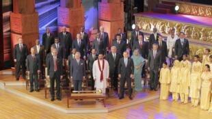 Viongozi wa Jumuiya ya Madola katika mkutano  mjini  Colombo nchini Sri Lanka