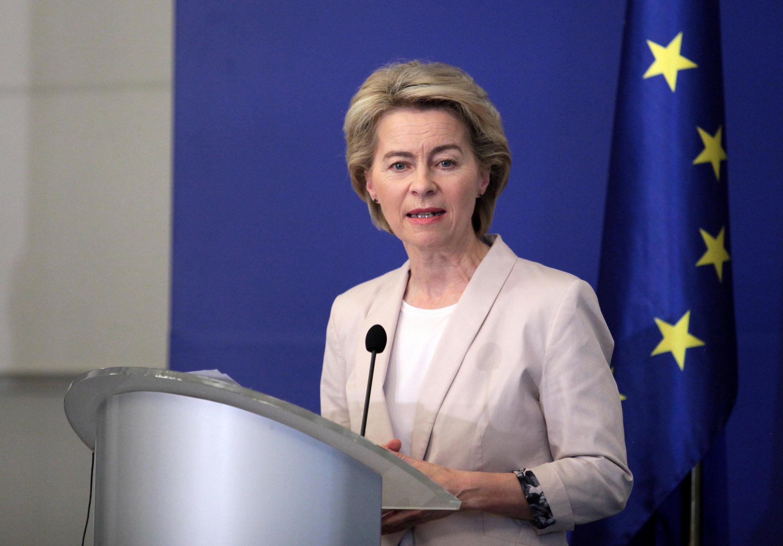 A recém-empossada presidente da Comissão Europeia, Ursula von der Leyen, anunciou nesta terça-feira a nova equipe do executivo do bloco.