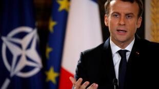 Президент Франции Эмманюэль Макрон назвал неприемлемыми заявления президента Сирии Башара Асада, обвинившего накануне Париж в «поддержке терроризма».
