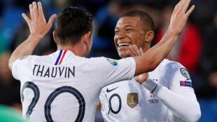 Florian Thauvin et Kylian Mbappé ont marqué lors de la confortable victoire de la France contre Andorre, le 11 juin 2019.