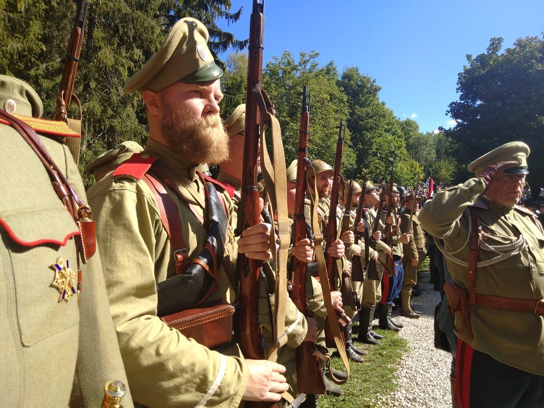 França celebrou o centenário do fim da Primeira Guerra Mundial com a reconstituição histórica da Batalha de Verdun, no leste da França, em 26 de agosto de 2018.
