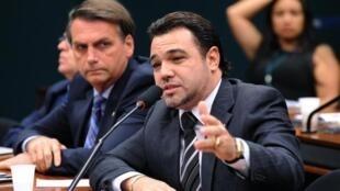 Os candidatos Marco Feliciano, do PSC, e Jair Bolsonaro, do PP, foram reeleitos deputados federais.