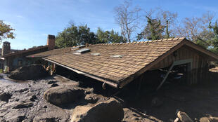 Vista de una casa destruida por un deslizamiento provocado por los aguaceros en Montecito, California. Estados Unidos, 10 de enero de 2018.