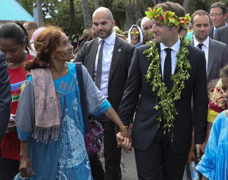 Эмманюэль Макрон во время визита в Новую Каледонию в мае 2018 года
