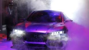 El concept-car Divine DS en el París Mundial del Automóvil.
