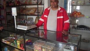 Vasile, 38 años casado y con dos hijos. Lleva 8 años trabajando en España.