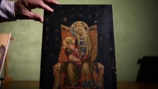 """Мадонна с младенцем на троне"" Мастера Вышебродского алтаря, проданная на аукционе в Дижоне 30 ноября 2019 г."