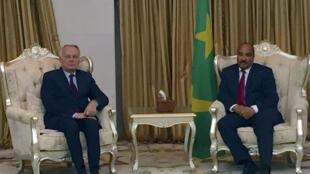 Le chef de la diplomatie française Jean-Marc Ayrault a rendu visite au président mauritanien Mohamed Ould Abdel Aziz, le 6 avril 2017.