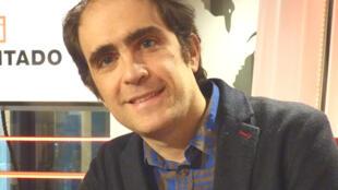 El escritor Marcos Eymar en RFI