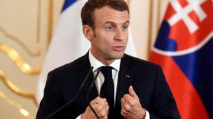 Le président français Emmanuel Macron, lors d'une conférence de presse à Bratislava, le 26 octobre 2018.