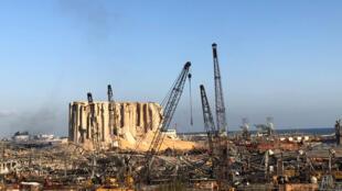 Le 6 août 2020: le port de Beyrouth dévasté par l'explosion du 4 août.