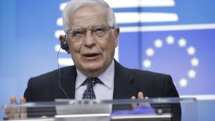 Josep Borrell habla durante una rueda de prensa al término de una reunión por videoconferencia de los ministros de Exteriores de la UE, el 18 de mayo de 2021 en Bruselas
