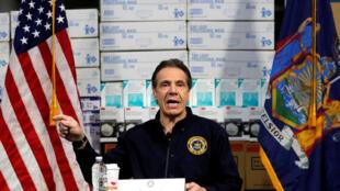 Thống đốc bang New York, Andrew Cuomo họp báo tại một bệnh viện dã chiến dành cho bệnh nhân Covid-19, ngày 24/03/2020 tại thành phố New York, Mỹ.