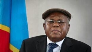 Etienne Tshisekedi, qui s'est autoproclamé président de la RDC, lors de sa conférence de presse à Kinshasa, le 18 décembre 2011.