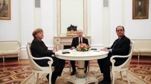 Thủ tướng Đức, Tổng thống Nga và Tổng thống Pháp gặp gỡ tại điện Kremli để bàn giải pháp cho Ukraina, 06/02/2015.