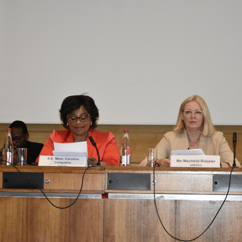Ministra da Cultura de Angola, Carolina Cerqueira no Forum Unesco-África-China. A direita está  Mechtild Rössler, directora da Divisão do património e do Centro do património mundial. Paris .03 de Junho de 2019