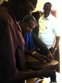 Le réalisateur Abderrahmane Sissako (c).
