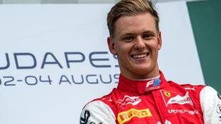 Mick Schumacher vainqueur du GP de Hongrie de Formule 2, à Mogyorod, le 4 août 2019