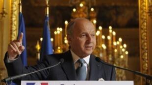 O ministro francês das Relações Exteriores, Laurent Fabius, durante a coletiva sobre a Síria, em 13 de junho de 2012, em Paris