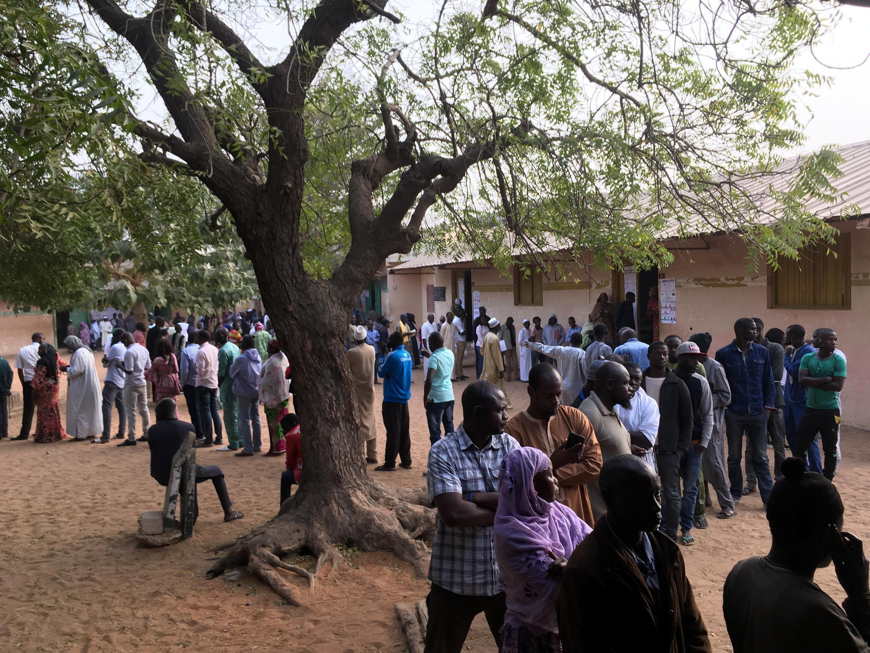 Forte affluence dans cette école de Pikine, qui regroupe 12 bureaux de vote, dans la banlieue de Dakar, le 24 février 2019.