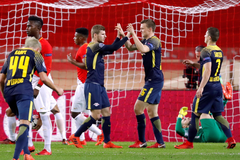 Les Allemands du RB Leipzig célèbrent leur troisième but inscrit par Timo Werner sur penalty face à Monaco le 21 novembre 2017.