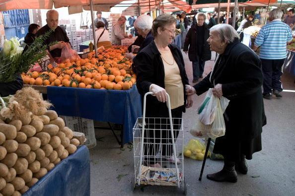 Athènes. Les retraités grecs, déjà frappés par l'inflation, ont du mauvais sang à se faire pour le paiement de leurs pensions.