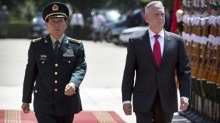 (资料图片)中国国防部长魏凤和与到访的美国国防部长马蒂斯,2018年6月27号,北京