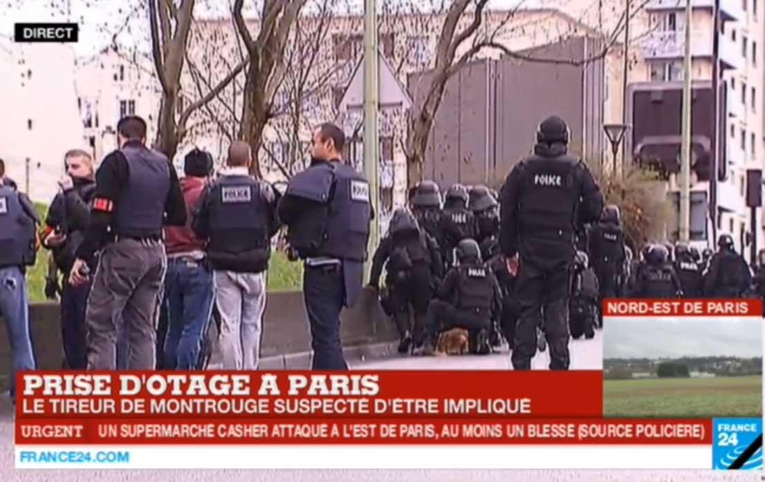 French police at Porte de Vincennes where a gunmam opened fire at a kosher grocery, 9 january 2015.