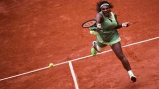 L'Américaine Serena Williams face à sa compatriote Danielle Collins au 3e tour de Roland-Garros, le 4 juin 2021