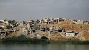 Une vue montre les maisons détruites dans la vieille ville de Mossoul, en Irak, le 3 juin 2020 (photo d'illustration).