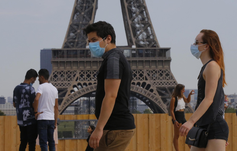 在法国开始普遍戴口罩