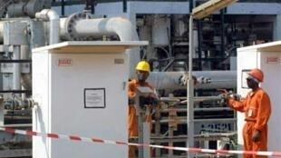 Des ouvriers sur un site pétrolier au Gabon. (Illustration).