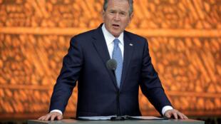 美國前總統小布什資料圖片