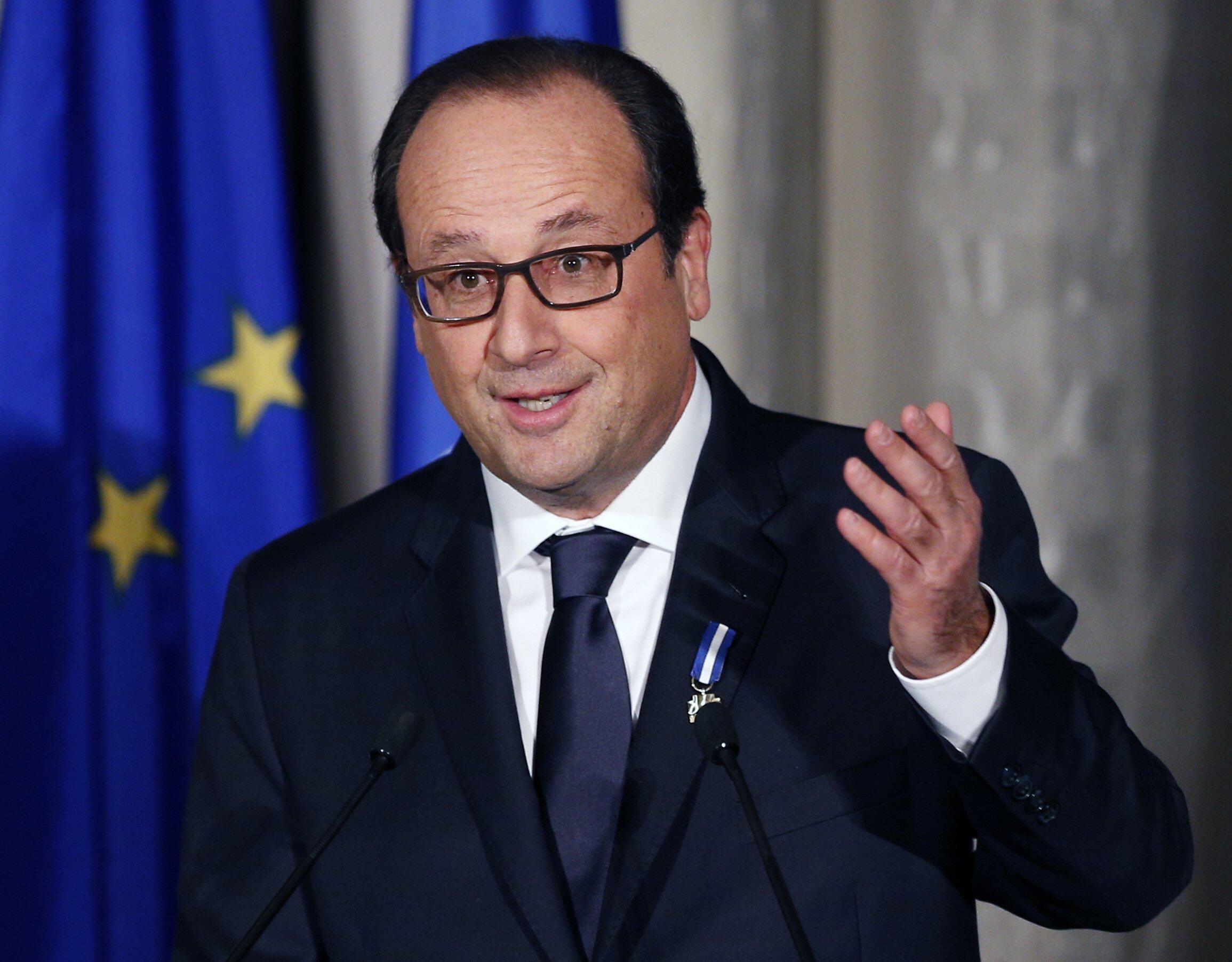 """O presidente François Hollande participa hoje à noite do programa """"Ao vivo com os franceses"""" no canal TF1"""