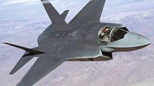 美国洛克希德马丁公司制造的F-35B隐身多用途战斗机
