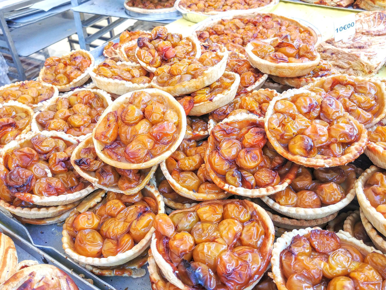 Đến Nancy hay Metz, hầu như mọi tiệm bánh đều bán bánh mirabelle