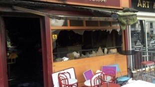 """Fachada do bar """"Au Cuba Libre"""" de Rouen, destruído por um incêndio que deixou 13 mortos na madrugada deste sábado, 6 de agosto de 2016."""