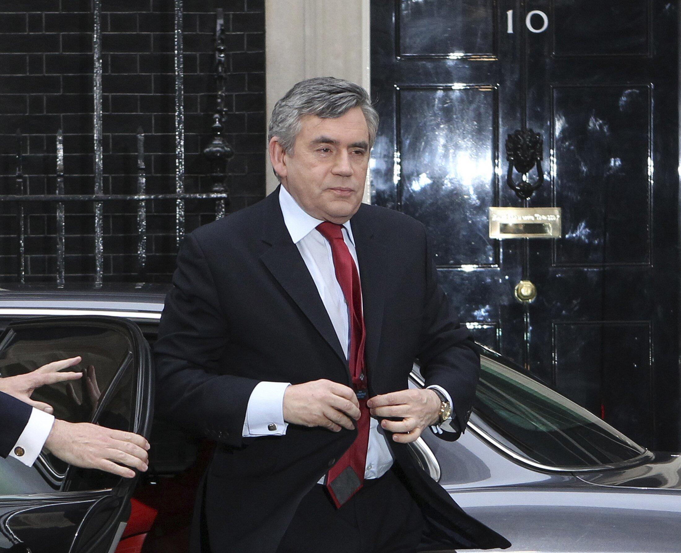 Le Premier ministre britannique Gordon Brown se dit prêt à quitter la direction du Parti travailliste pour favoriser un accord de gouvernement avec le LibDem