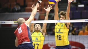 O bloqueio foi um dos pontos fortes da vitória do Brasil sobre os Estados Unidos na Copa do Japão, nesta segunda-feira.