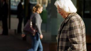 Cientistas franceses conseguem reverter envelhecimento celular de pessoas centenárias.