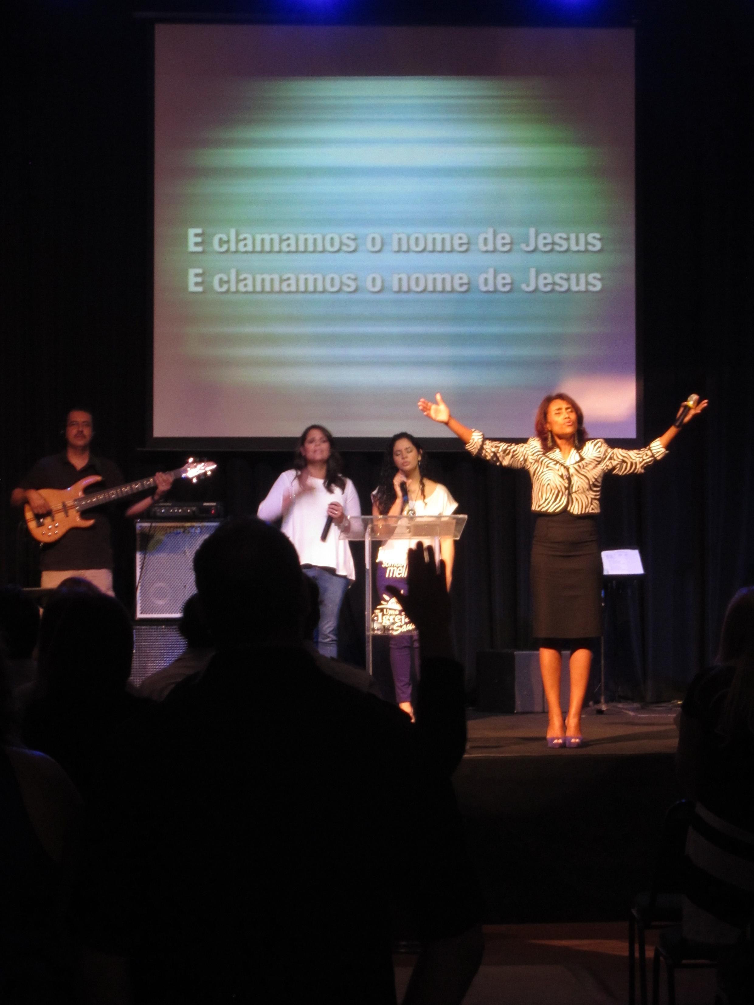 Igreja Batista brasileira recebe centenas de pessoas tem cerca de 2 mil membros em Pompano Beach, na Flórida.
